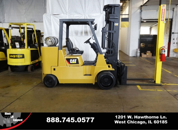Used 2004 CATERPILLAR GC55K-STR - West Chicago, IL