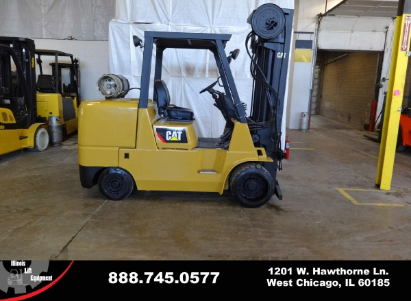 Used 2006 CATERPILLAR GC55K - West Chicago, IL