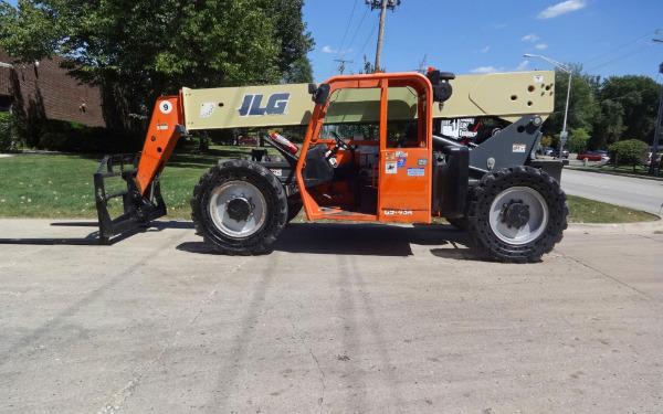 2010 JLG G9-43A