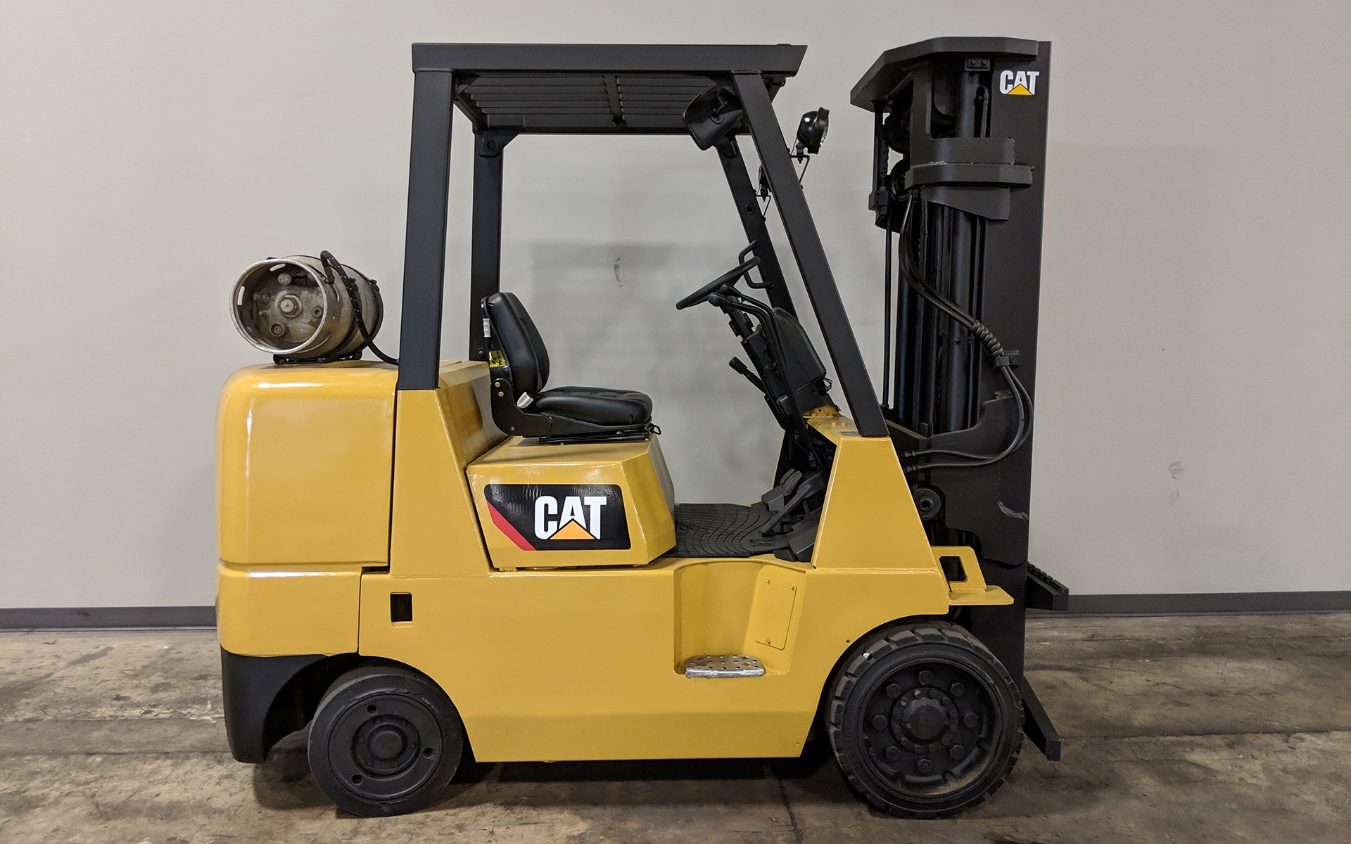 Used 2001 CATERPILLAR GC40K  | Cary, IL