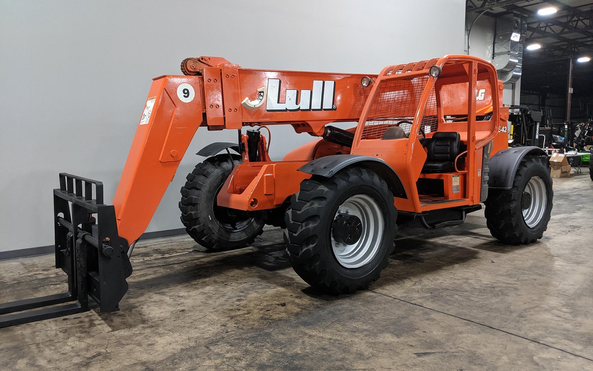Used 2004 LULL 944E-42    Cary, IL
