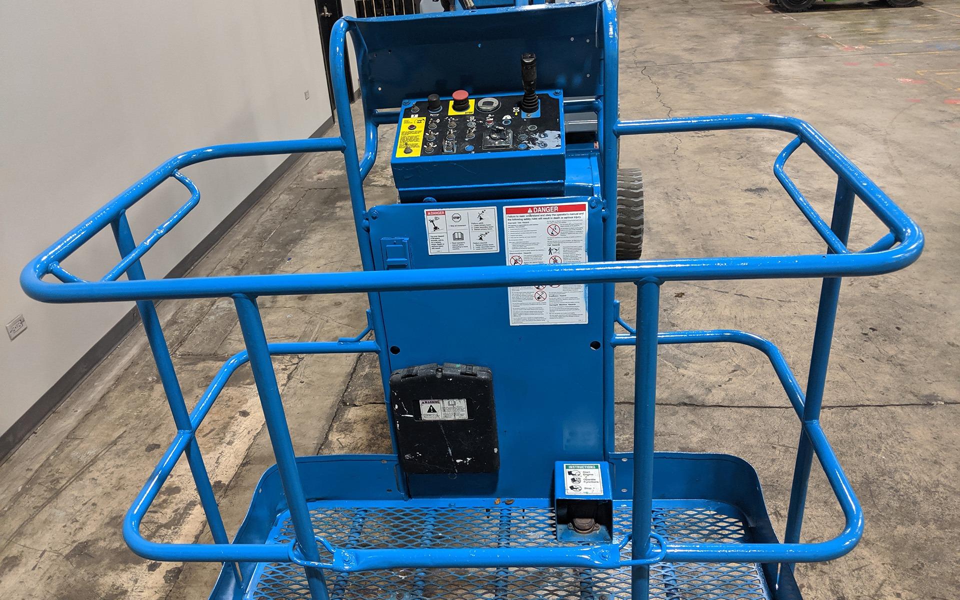 Used 2011 GENIE Z34 22N  | Cary, IL