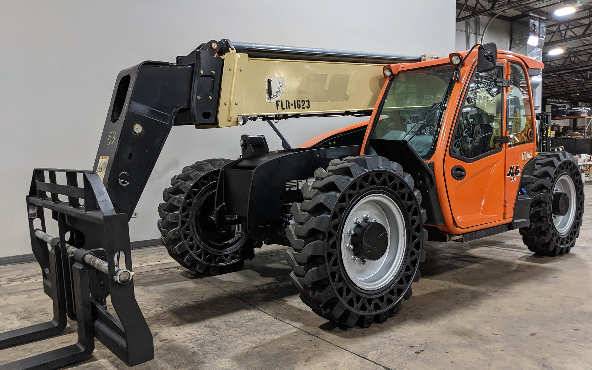 Used 2016 JLG 943  | Cary, IL