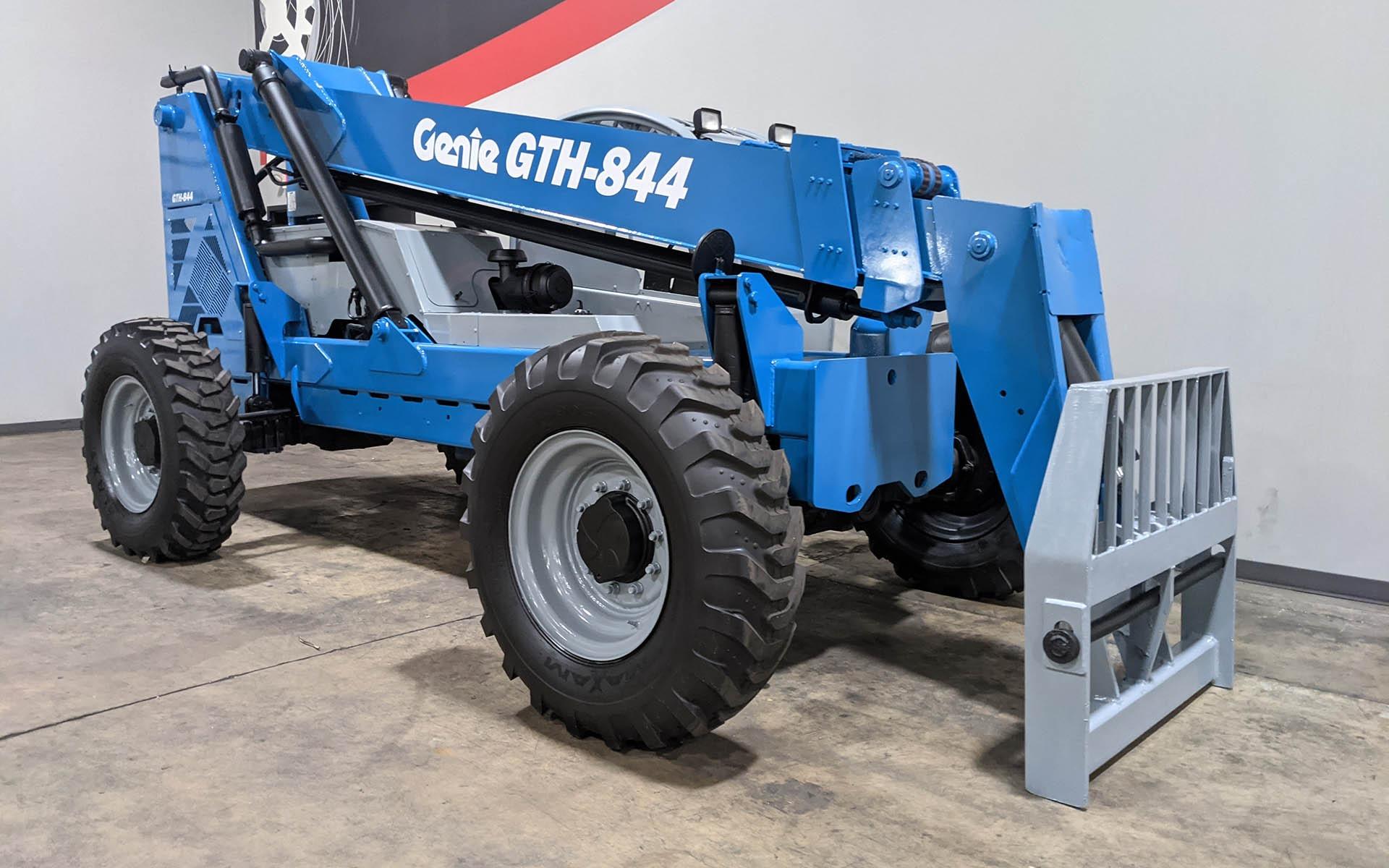Used 2010 GENIE GTH 844    Cary, IL