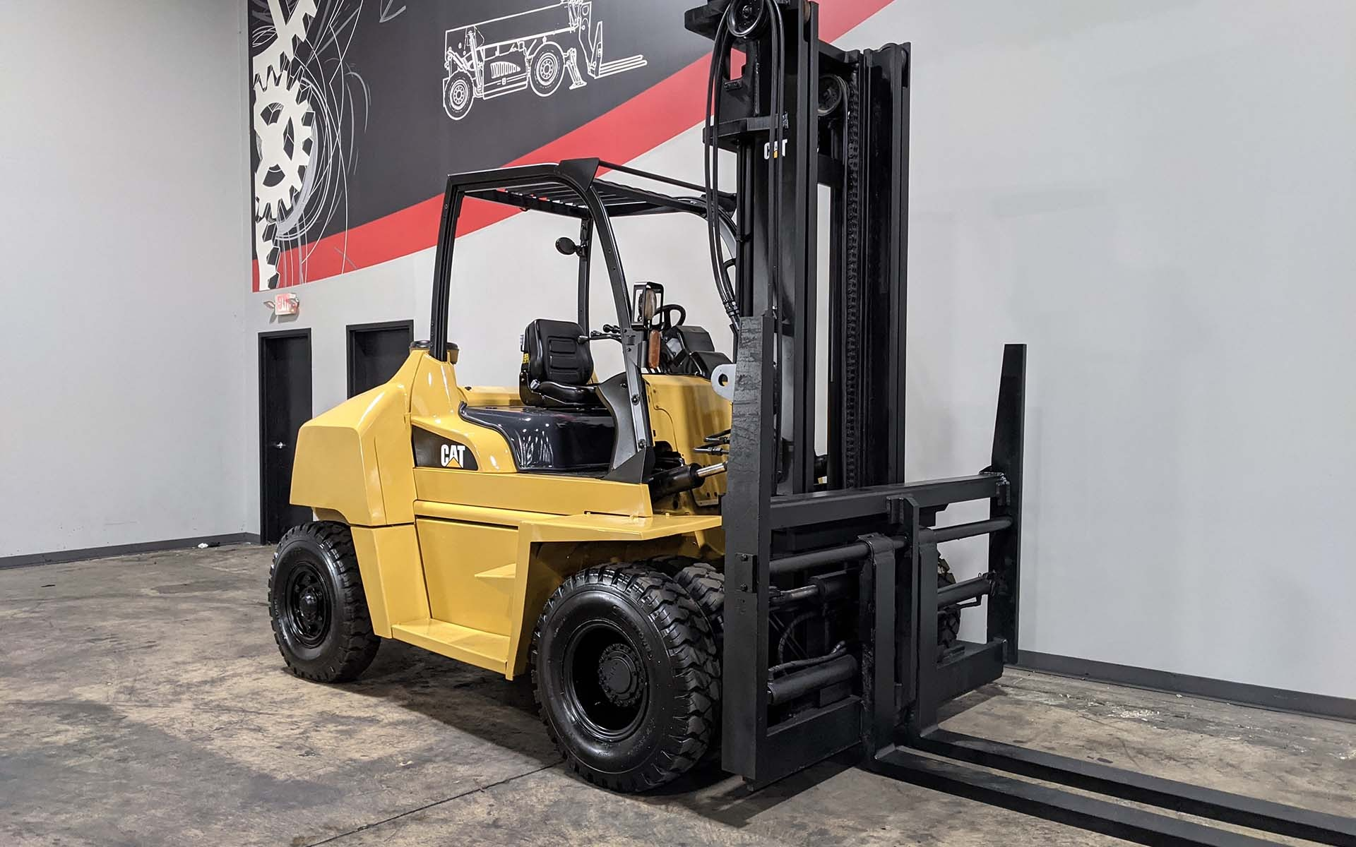 Used 2015 CATERPILLAR DP70N  | Cary, IL