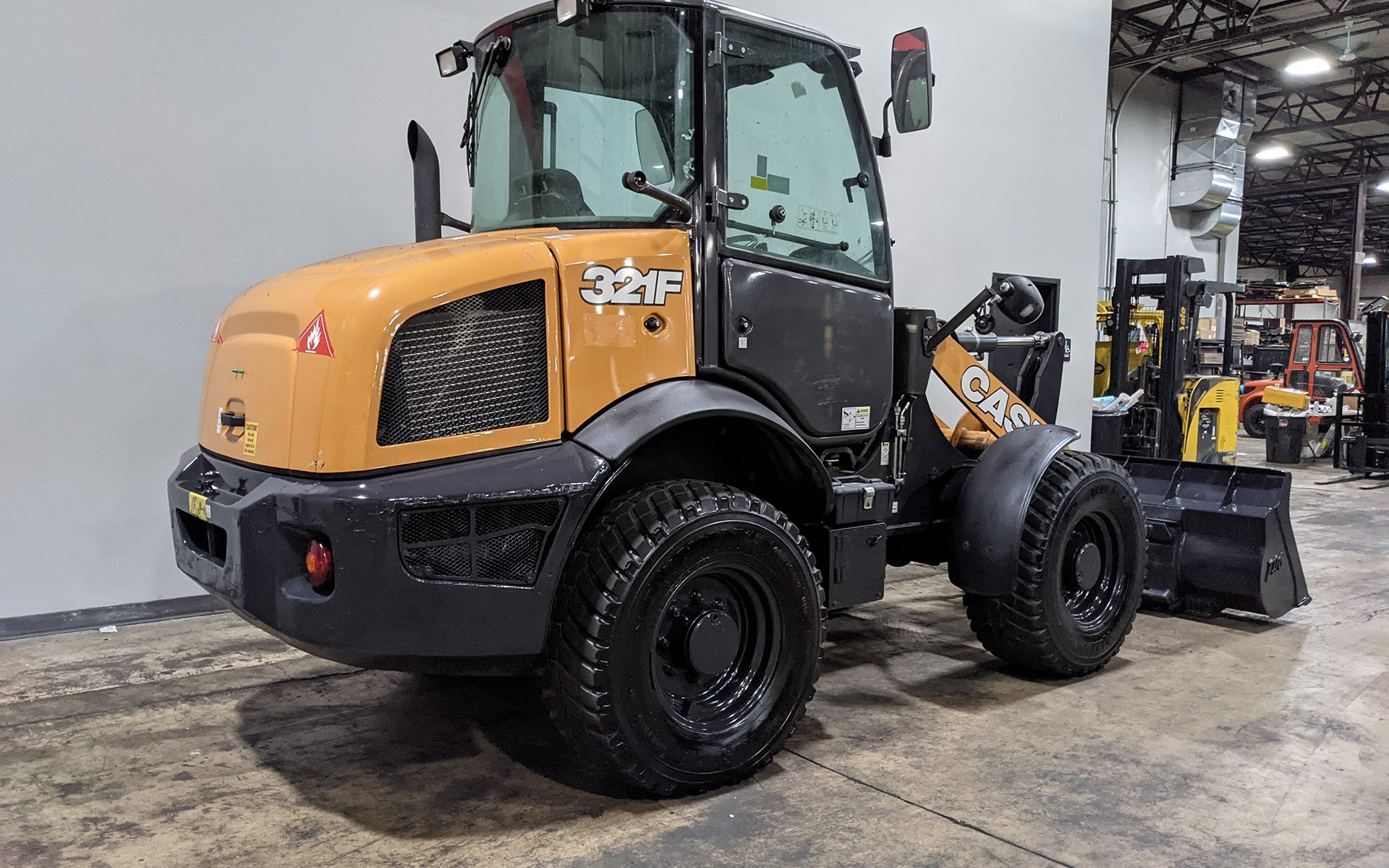 Used 2016 CASE 321F  | Cary, IL