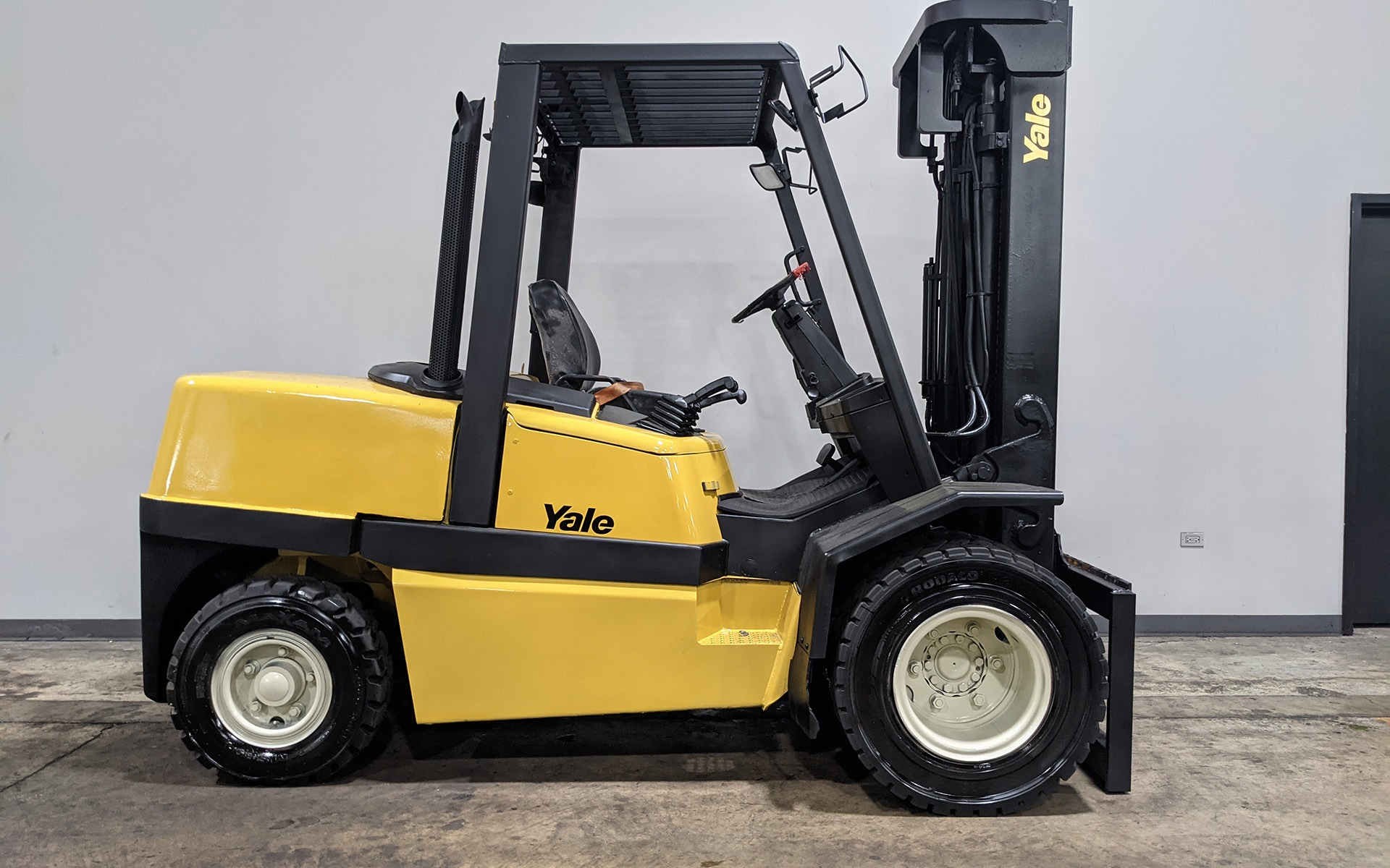 Used 2005 YALE GDP110    Cary, IL