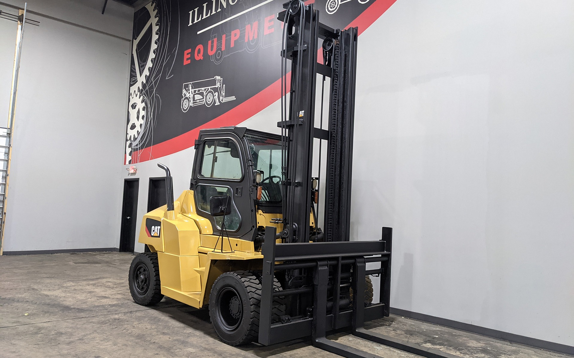 Used 2016 CATERPILLAR DP70N  | Cary, IL