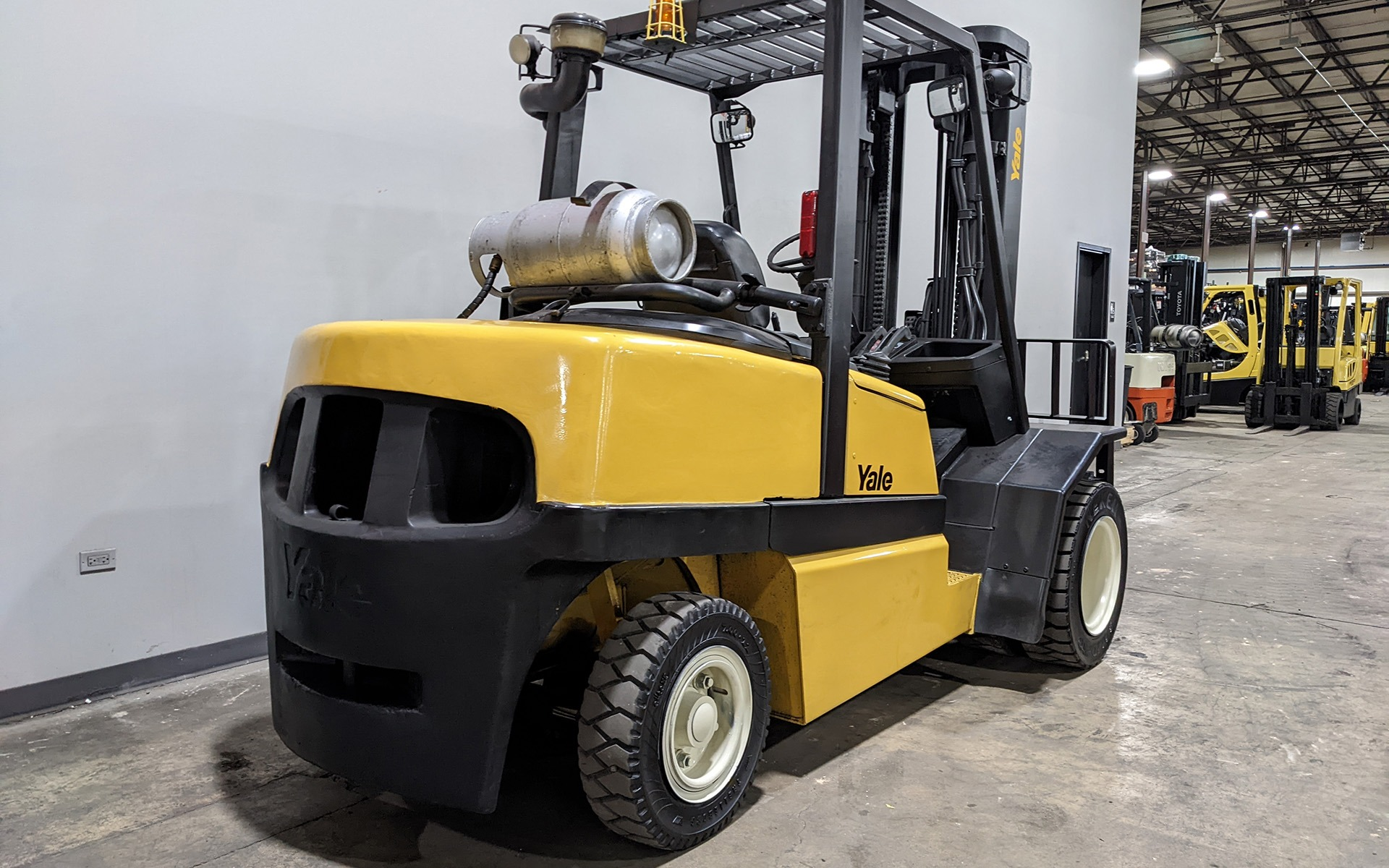 Used 2006 YALE GLP110    Cary, IL